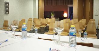 Ele Enara Boutique Hotel - Valladolid - Neuvotteluhuone