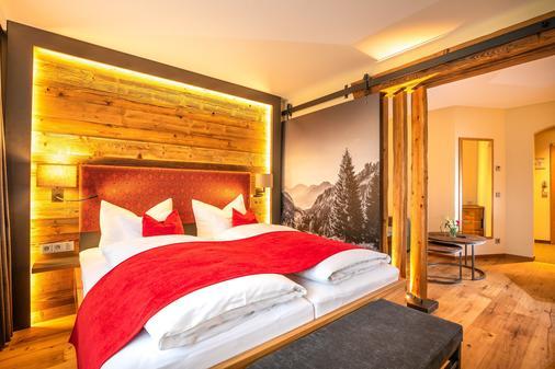 Hotel zur Post - Ruhpolding - Bedroom
