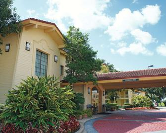 La Quinta Inn by Wyndham Houston La Porte - La Porte - Building