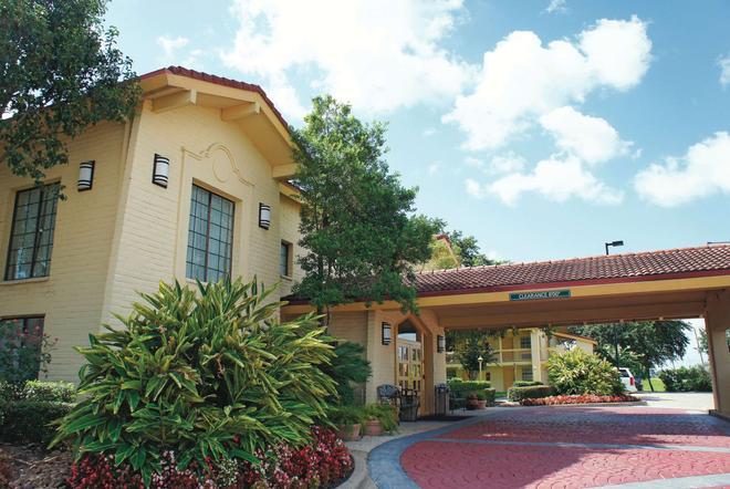 La Quinta Inn by Wyndham Houston La Porte - La Porte - Building