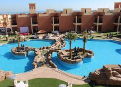 Aquamarine Kuwait Resort - Al Khiran - สระว่ายน้ำ