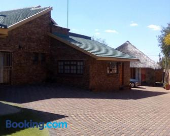 Pride Rock Accommodation - Middelburg (Mpumalanga) - Building