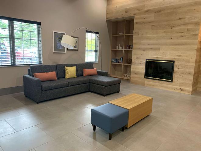 Country Inn & Suites by Radisson, Kalamazoo, MI - Kalamazoo - Olohuone