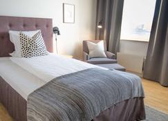 Biz Apartment Solna - Solna - Bedroom