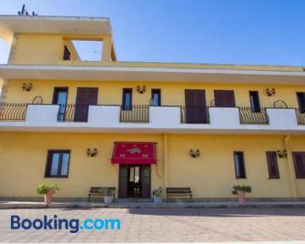 Hotel Merlino - Avola - Building