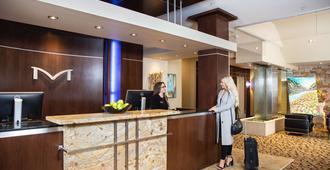 Metterra Hotel on Whyte - אדמונטון - דלפק קבלה
