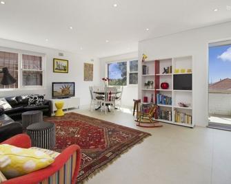 The Clove (061i) - Coogee - Living room