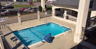 Motel 6 Tyler, TX - Tyler - Bể bơi