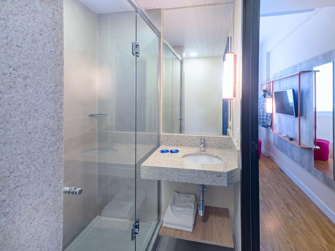 伊瓜蘇弗茲宜必思快捷飯店 - 伊瓜蘇市 - 浴室