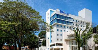 ibis budget Foz Do Iguacu - 伊瓜蘇市 - 建築