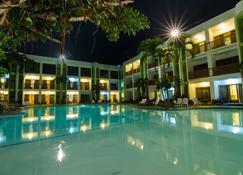 Apple Tree Resort & Hotel - Cagayan de Oro - Πισίνα