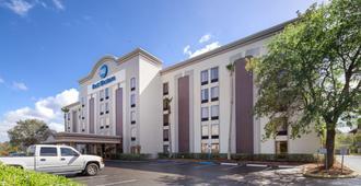 Best Western Southside Hotel & Suites - Τζάκσονβιλ - Κτίριο