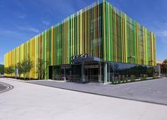 Mere Hotel - Winnipeg - Building