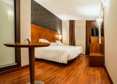 Hotel Nuevo Torreluz - Almería - Habitación