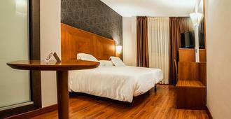 Hotel Nuevo Torreluz - Almería - Bedroom