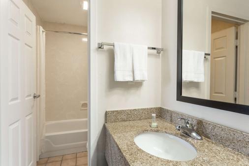 斯萊德爾速 8 酒店 - 斯萊代爾 - Slidell - 浴室