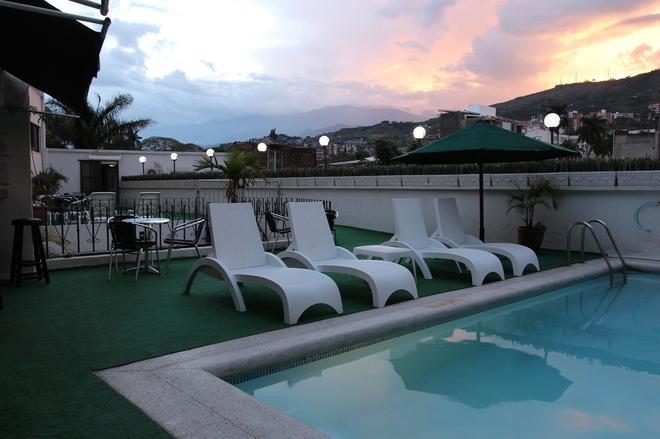 聖費爾南多里爾酒店 - 卡利 - 游泳池