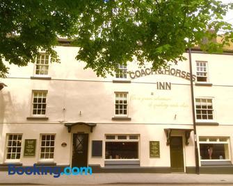 The Coach and Horses Inn - Chepstow - Building