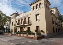 Hotel Casa Consistorial - Fuengirola - Building