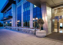 Clarion Hotel Istanbul Mahmutbey - Istanbul - Building