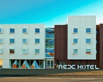 Le Nexhotel - Тарб - Здание