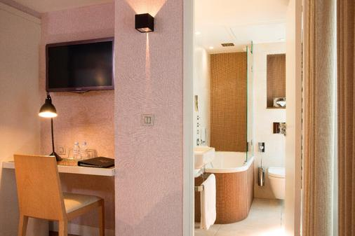 Le Pradey - Paris - Bathroom
