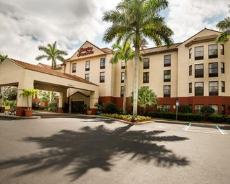 Hampton Inn & Suites Fort Myers Beach/Sanibel Gateway, FL - Fort Myers Beach - Building