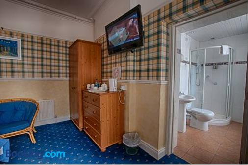 Harbour Heights B&B - Portrush - Bathroom
