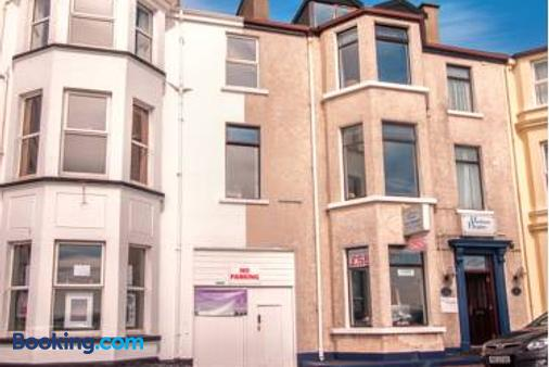 Harbour Heights B&B - Portrush - Building
