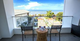 Benoa Sea Suites and Villas - South Kuta - Balcón