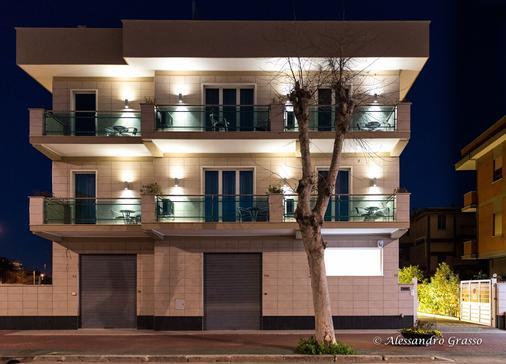 Porto Di Claudio - Fiumicino - Building