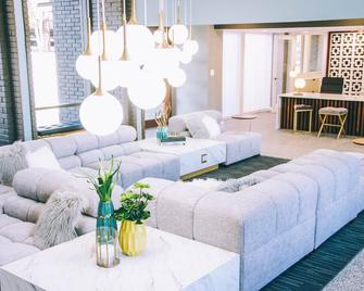 Skyline Apartment - Austin - Sala de estar