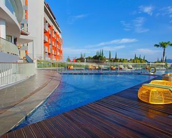 Pesona Alam Resort & Spa - Puncak - Pool