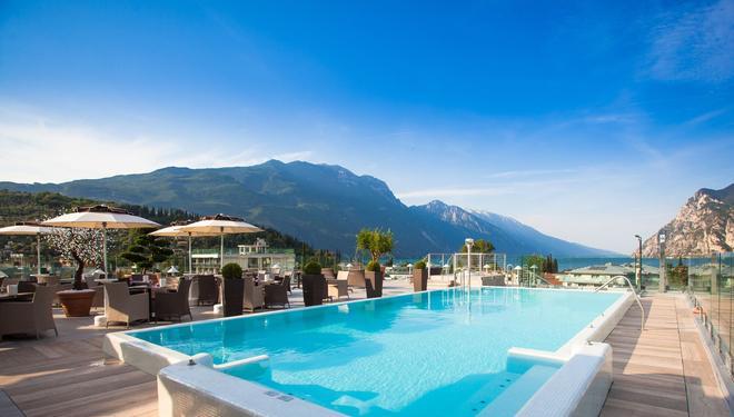 Hotel Kristal Palace - Tonellihotels - Riva del Garda - Uima-allas