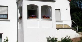 Gästehaus Perrin - Mandelbachtal