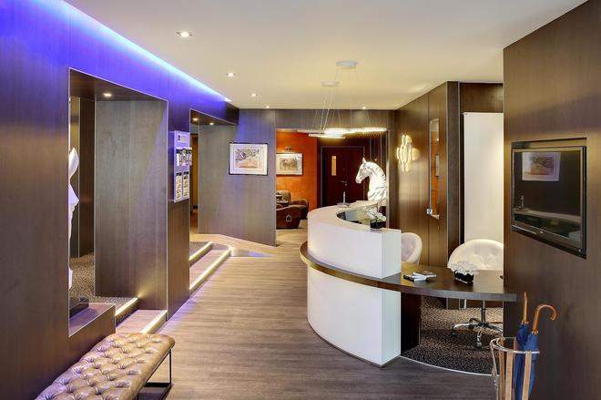 Best Western Premier Hotel de la Poste & Spa - Troyes - Aula