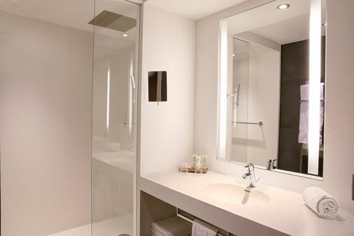 Best Western Premier Hotel de la Poste & Spa - Troyes - Bathroom