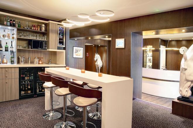 Best Western Premier Hotel de la Poste & Spa - Troyes - Baari
