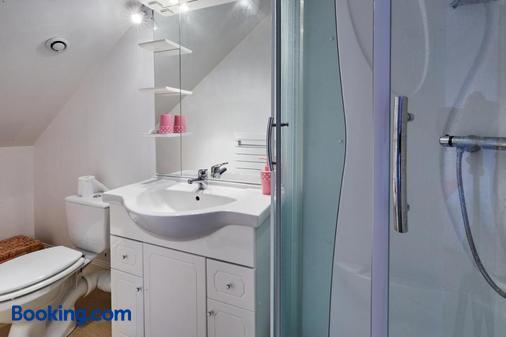 La Maison Du 6 - Arromanches-les-bains - Bathroom
