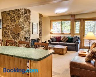 Cozy Slopeside Condo - Snowmass Village - Living room