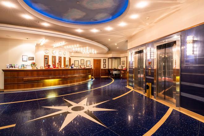 德國史威林皇冠假日酒店 - 史威林 - 什未林 - 大廳