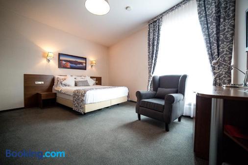 Hotel Sokolowska Airport Modlin - Nowy Dwór Mazowiecki - Bedroom