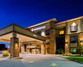 Best Western Plus Grand Island Inn & Suites - Grand Island - Gebouw