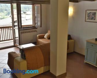 I Larici - Monclassico - Living room