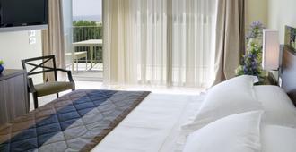 里米尼海濱大道美居酒店 - 里米尼 - 里米尼 - 臥室