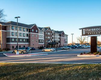 Staybridge Suites Schererville - Schererville - Building