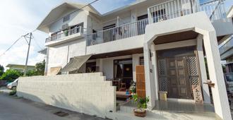 Guesthouse Asibina - Ishigaki - Building