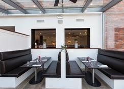 Dormero Hotel Altes Kaufhaus - לינבורג - מסעדה