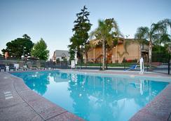 Best Western Plus Hill House - Bakersfield - Pool