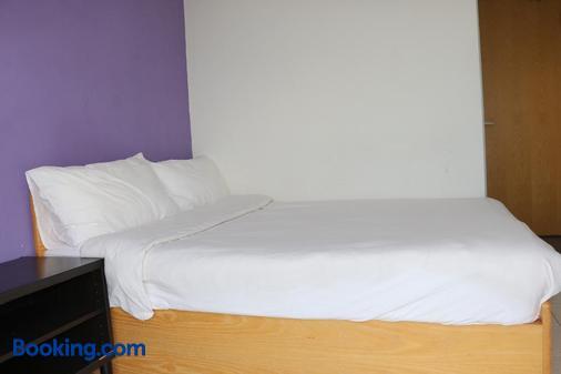The Cove Hostel - Tong Fuk Dolphin - Hong Kong - Bedroom